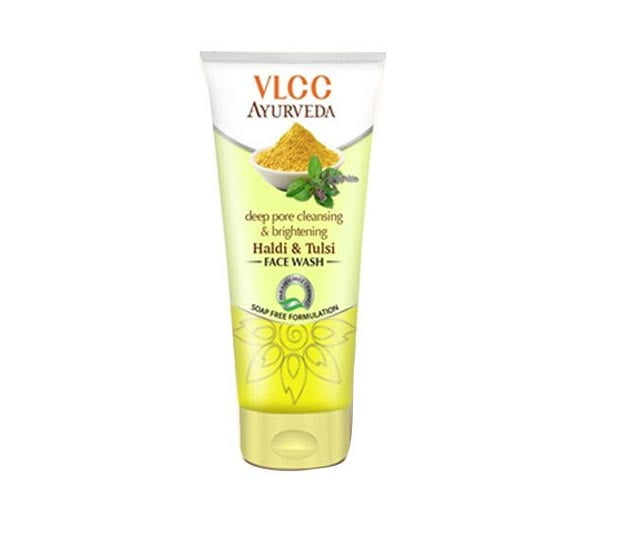 Best Face Washes in India for Oily Skin