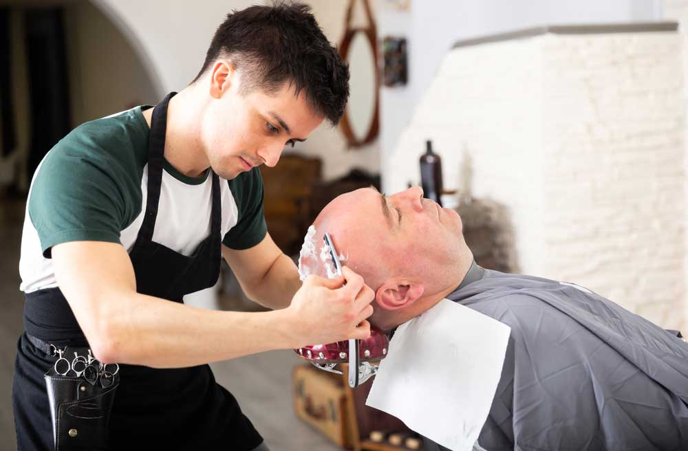 How-To-Shave-Your-Head-With-A-Straight-Razor