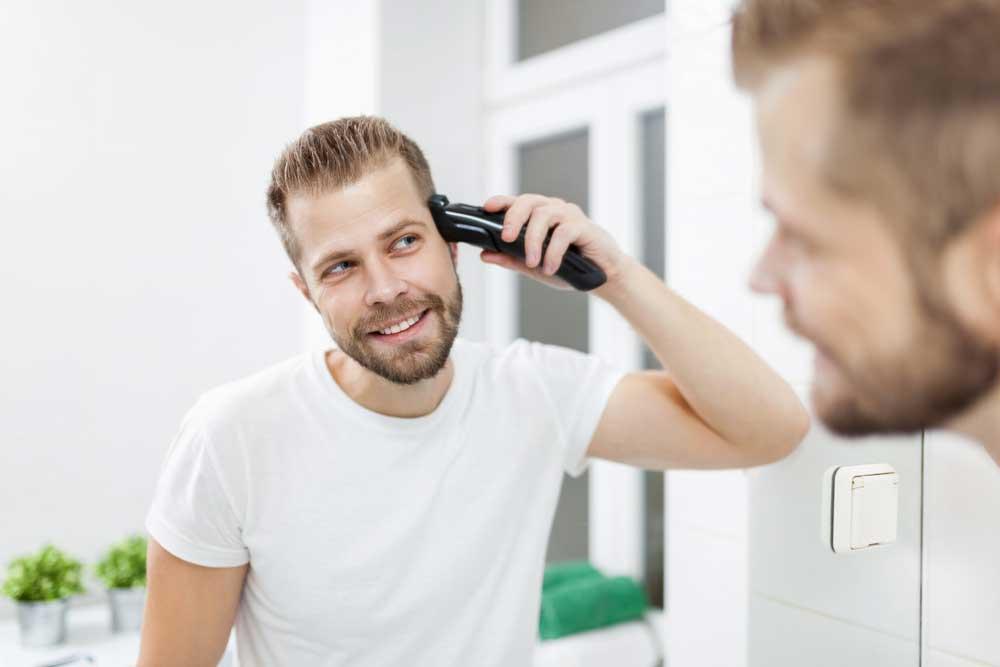 Shaving-With-Beard-Trimmer